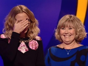 Kimberly Walsh and her mum on Catchphrase