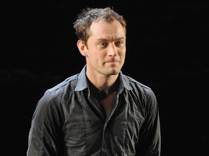 NEW YORK - OCTOBER 06: Jude Law attends the Broadway opening night of 'Hamlet' at the Broadhurst Theatre on October 6, 2009 in New York City. (Photo by Dimitrios Kambouris/WireImage)