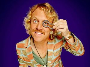 Keith Lemon talks American homes, weird beds and getting naked with Kylie.