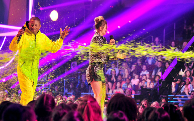 Pharrell gets slimed at the Nickelodeon Kids Choice Awards 2014