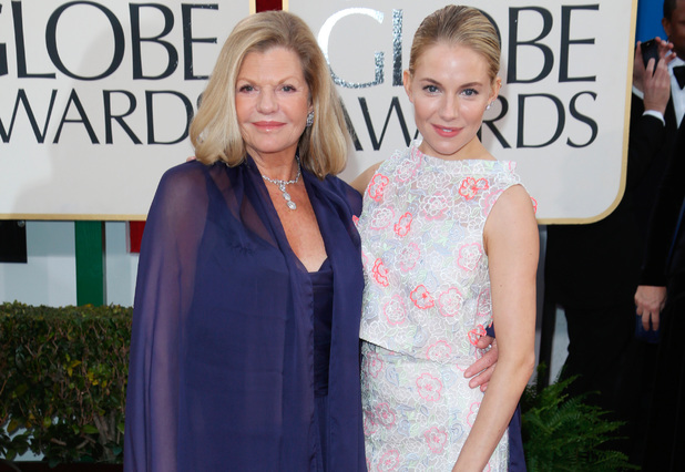 Sienna Miller, Jo Miller Golden Globes 2013 mother's day, mum, red carpet