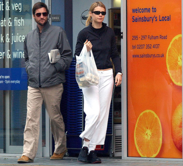 Gwyneth Paltrow & Luke Wilson Shopping At A Supermarket Near Her Home In West London. (Photo by Antony Jones/UK Press via Getty Images)