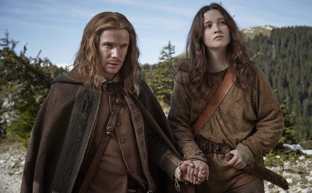 Joe Dempsie & Alice Englert in New Worlds