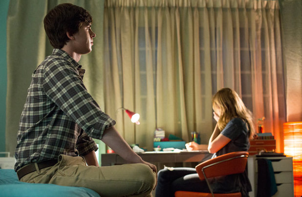 Freddie Highmore and Nicola Peltz in Bates Motel S02E01: 'Gone But Not Forgotten'