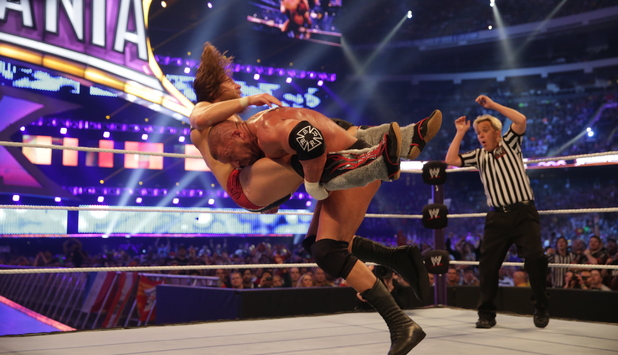 Triple H does more damage to Daniel Bryan's shoulder ...