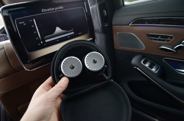 The new mercedes benz s class the most tech ever seen on for Mercedes benz wireless headphones