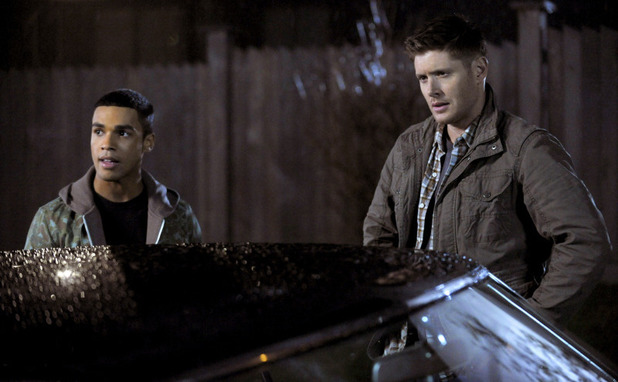 Lucien Laviscount as Ennis Roth and Jensen Ackles as Dean in Supernatural S09E20: 'Bloodlines'