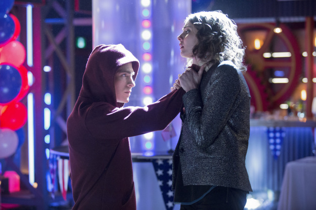 Colton Haynes as Roy Harper and Willa Holland as Thea Queen in 'Arrow' S02E20: 'Seeing Red'