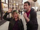 Amy Poehler pretends to be Pitbull in New York skit