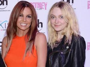 Britney Spears awkward fan photo