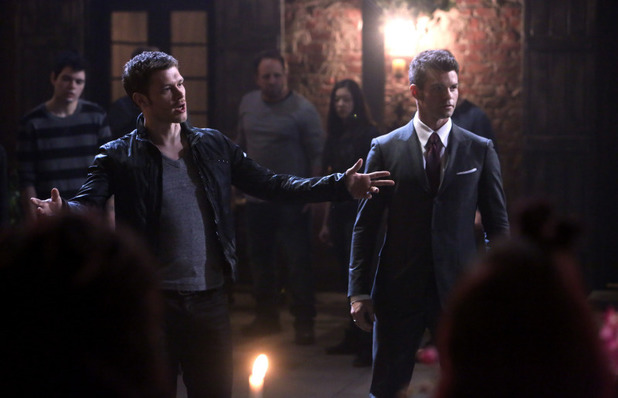 Joseph Morgan as Klaus and Daniel Gillies as Elijah in The Originals S01E21: 'The Battle of New Orleans'