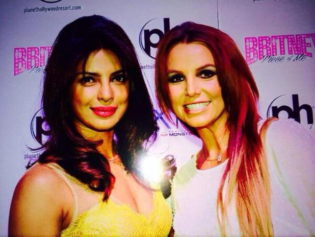 Priyanka Chopra, Britney Spears Totally melting at this frame! Picture perfect! @priyankachopra and @britneyspears both in one frame! pic.twitter.com/pGJge27DDQ