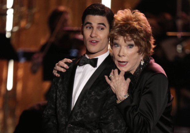 Darren Criss as Blaine & Shirley MacLaine as June in Glee S05E20: 'The Untitled Rachel Berry Project'