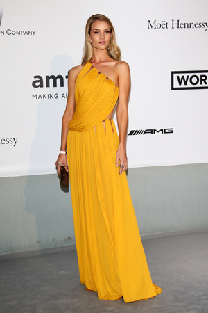 CAP D'ANTIBES, FRANCE - MAY 22: Rosie Huntington-Whiteley attends amfAR's 21st Cinema Against AIDS Gala Presented By WORLDVIEW, BOLD FILMS, And BVLGARI at Hotel du Cap-Eden-Roc on May 22, 2014 in Cap d'Antibes, France. (Photo by Vittorio Zunino/amfAR14/WireImage)