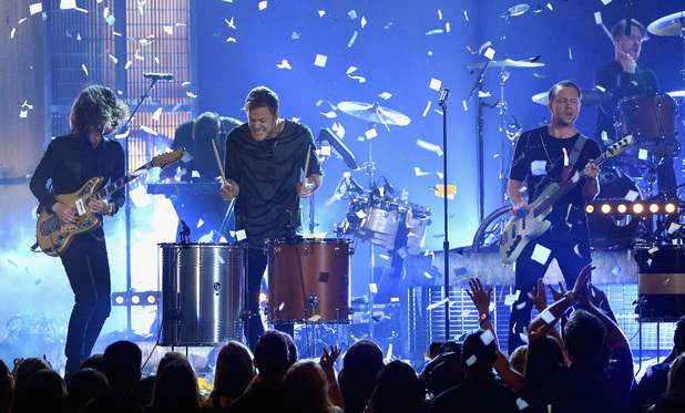 Imagine Dragons perform at the 2014 Billboard Music Awards