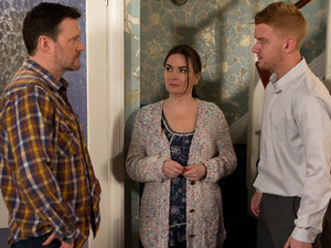 Owen reveals to Gary that Anna slept with Phelan to keep him out of prison.