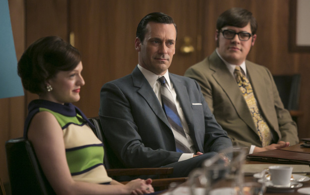 Elisabeth Moss as Peggy Olson, Jon Hamm as Don Draper and Rich Sommer as Harry Crane in Mad Men S07E07