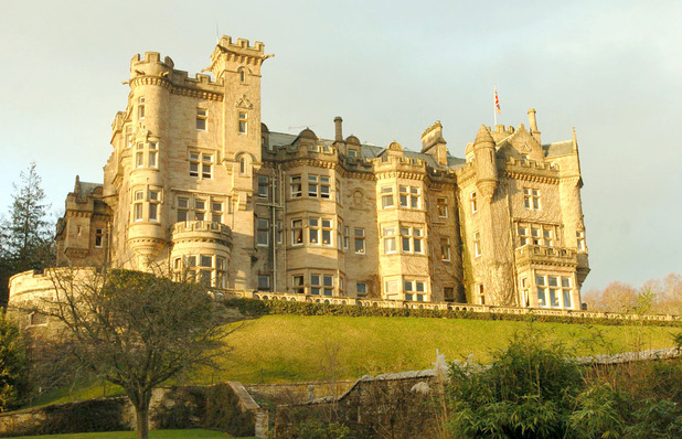 Skibo Castle - The Scene Of Madonna And Guy Ritchie's Wedding Reception : News PhotoView similar images More from this photographer Download compSkibo Castle - The Scene Of Madonna And Guy Ritchie's Wedding Reception Caption:Exterior of Skibo Castle (Photo by Jon Furniss/WireImage) *** Local Caption ***