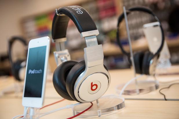 iPod Touch, Beats headphones