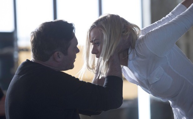 Yvonne Strahovski & Alex Ferns in 24: Live Another day episode 6 - '4:00PM - 5:00PM'