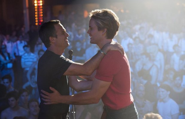 Mark Ruffalo and Taylor Kitsch in The Normal Heart (2014)