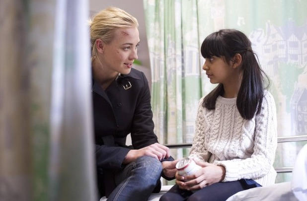 "Yvonne Strahovski & Nikita Mehta in 24: Live Another Day episode 7 - ""5:00PM - 6:00PM"""