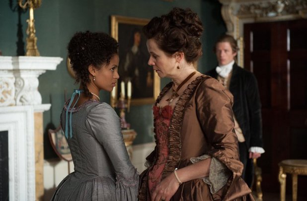 Emily Watson and Gugu Mbatha-Raw in Belle (2013)