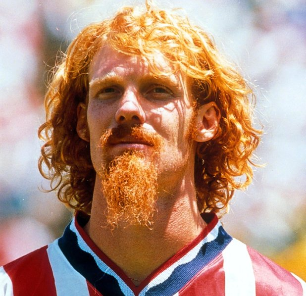 THE WORLD CUP, NEW YORK, AMERICA - 1994ALEXI LALAS 1994CategoriesSport, Sportsperson, Alone, Male, Personality Keywords FOOTBALL PLAYER PLAYING FOOTBALLER STRIP