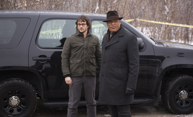 Hugh Dancy as Will Graham & Laurence Fishburne as Jack Crawford in Hannibal S02E07: 'Yakimono'