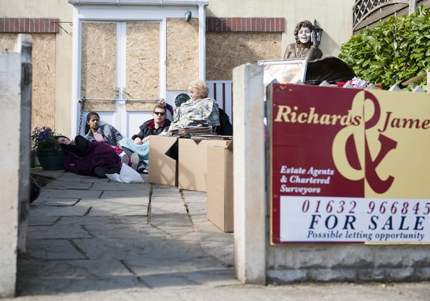 Hollyoaks: 3898: 2014-07-02