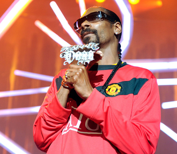 MANCHESTER, ENGLAND - JULY 08: Snoop Dogg performs at Manchester Apollo for Orange RockCorps on July 8, 2010 in Manchester, England. (Photo by Shirlaine Forrest/WireImage)