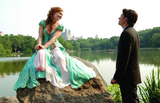 Amy Adams as Giselle and Patrick Dempsey as Robert Philip in Enchanted