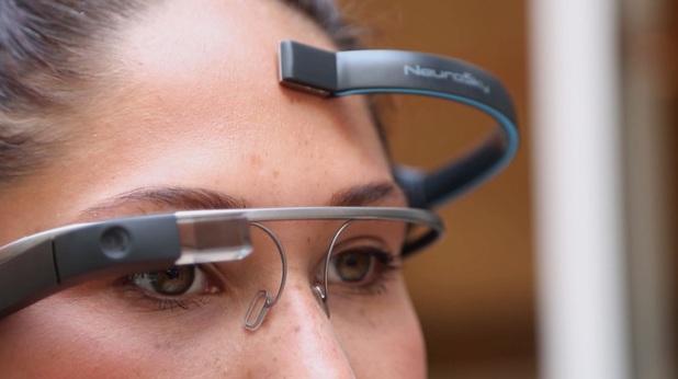 The NeuroSky EEG biosensor in action