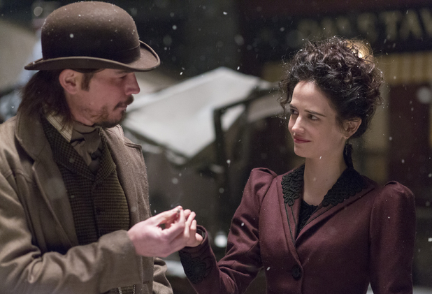 Josh Hartnett as Ethan Chandler and Eva Green as Vanessa Ives in Penny Dreadful S01E08