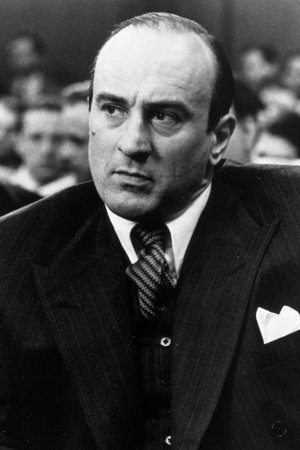 FILM STILLS OF 'UNTOUCHABLES' WITH 1987, AL CAPONE: GANGSTER, CHARACTER, ROBERT DE NIRO, HEAD SHOT, SUIT, COURT IN 1987 1987