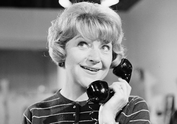 Dora Bryan in Annie Doesn't Live Here Anymore
