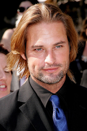 2007 ABC UpFront - Outside Arrivals OLD PICTURE Josh Holloway (Photo by James Devaney/WireImage) hair