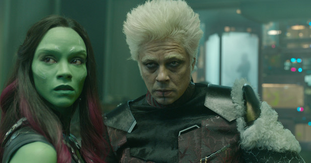 Zoe Saldana Benicio Del Toro The Collector