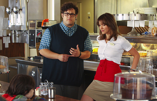 Ari Stidham as Sylvester Dodd and Katharine McPhee as Paige Dineen in Scorpion