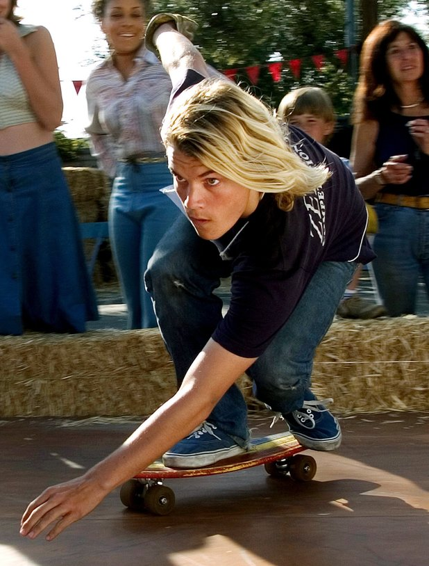 Emile Hirsch in Lords of Dogtown (2005)