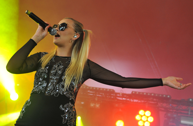 Sasha Keable performs on stage at the Reading Festival at Richfield Avenue on August 24