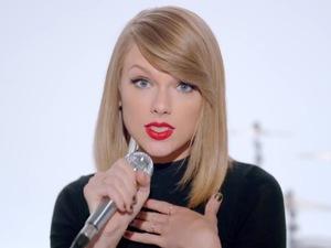 Taylor Swift 'Shake It Off' music video still.
