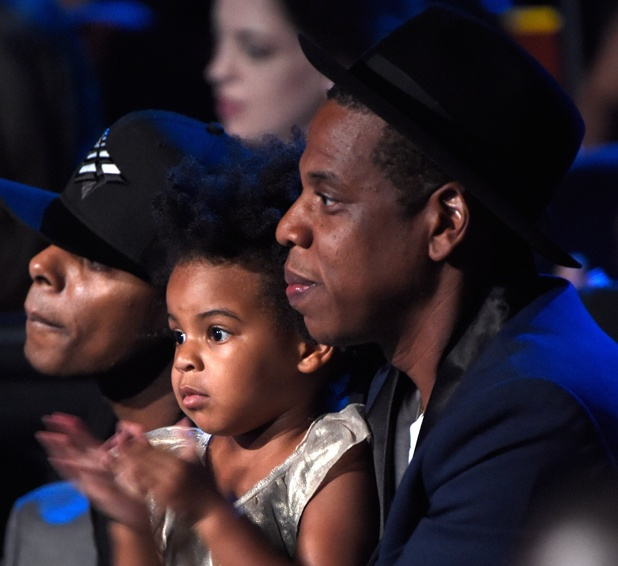 Blue Ivy Carter and Jay Z watch Beyoncé at MTV VMAs