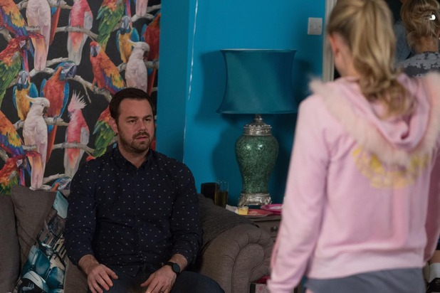 Mick grows increasingly concerned about Linda