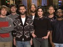 Maroon 5's Adam Levine has trouble returning Sarah Silverman's compliment on SNL.