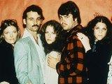 SNL Season 1: Garrett Morris, Jane Curtin, Bill Murray, Laraine Newman, Dan Aykroyd, Gilda Radner, John Belushi
