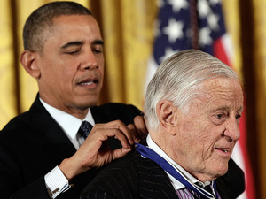 Ben Bradlee presented with the Presidential Medal of Freedom by President Obama