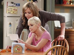 Allison Janney & Anna Faris in Mom