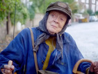 Maggie Smith lives on a driveway in The Lady in the Van trailer