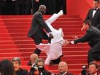 Jason Derulo didn't fall down the stairs at the Met Ball 2015